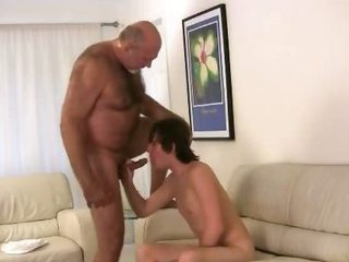 Horny gay bear fucking and sucking / 202