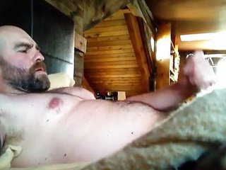 Hot Beared Jerk-Off / 330