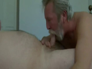 Beard Daddy blow and eat cum / 100