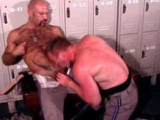 Gratis homo bears fucks and sucks stiff / 144