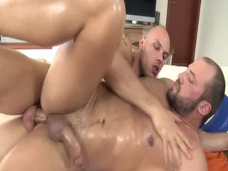 Amateur straight bear cums / 275