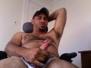 WOOF Hairy bear cums for you / 98
