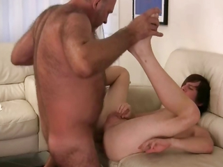 Bear fucking cute twink hard 4 part3 / 174