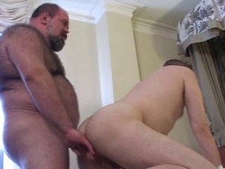 bear and Chubby fuck hot / 2303