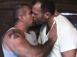 Two sexy gay dudes have great time / 5368