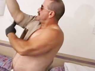 Hot GayBear Masturbating / 192