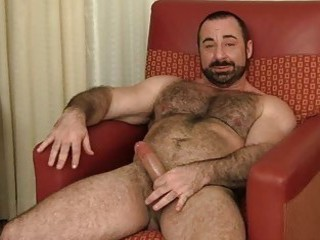 Bearded gay hunk jerks off his fat boner / 566