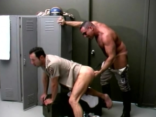 Bear Cops Fucking In The Locker Room / 293